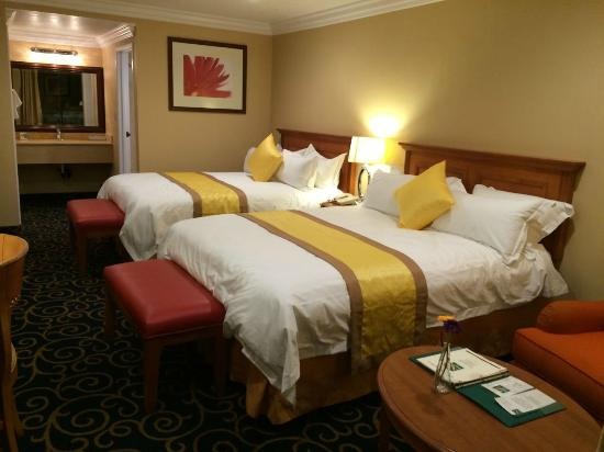Quality Inn Near Long Beach Airport: NON-SMOKING 2 QUEEN BEDS