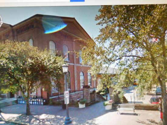 Savannah Visitors Center : DOT stop