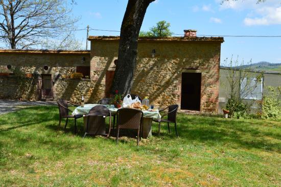 Agriturismo Torrenieri: pranzo all'aperto