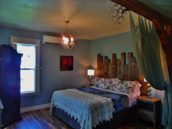 Riverwood Suites: Sea Glass Suite