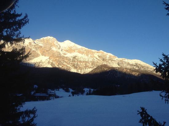 Cortina Dolomiti Ski School : Le Tofane di primo mattino