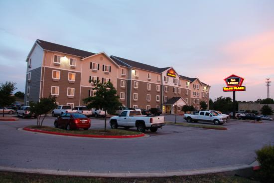 WoodSpring Suites Austin North I-35: Exterior