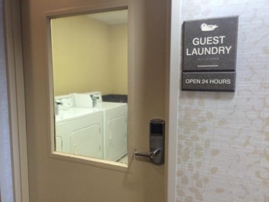 Homewood Suites by Hilton Lake Buena Vista-Orlando: Coin Laundry