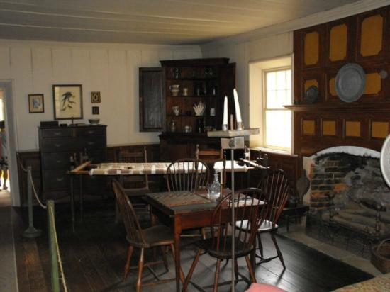 Inside the house - Picture of Walnut Grove Plantation ...