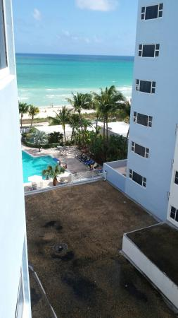 Sherry Frontenac Hotel: View of pool and Atlantic Ocean from 8th floor room