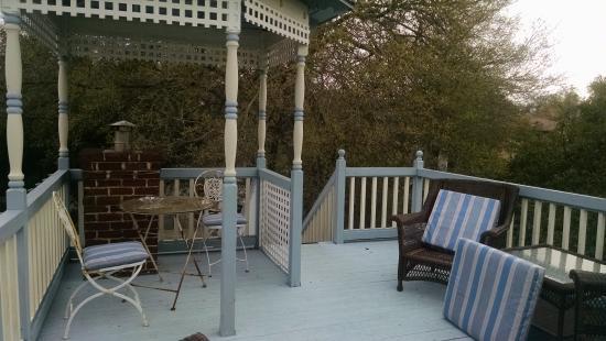 Penny Farthing Inn: Balcony