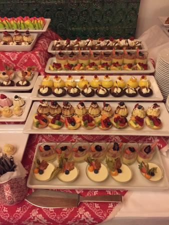 Hotel Tyrol: Mouthwatering desserts��