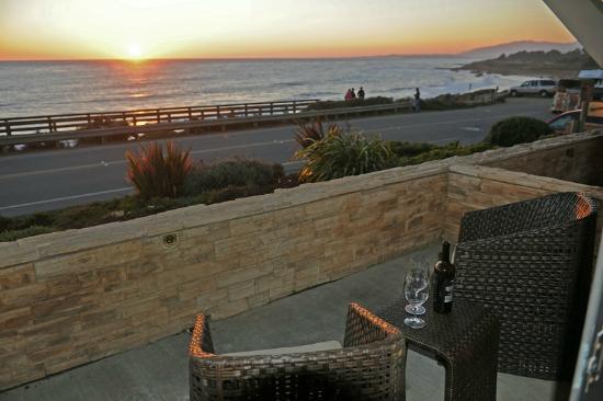 Little Sur Inn : Ocean Front Room Patio
