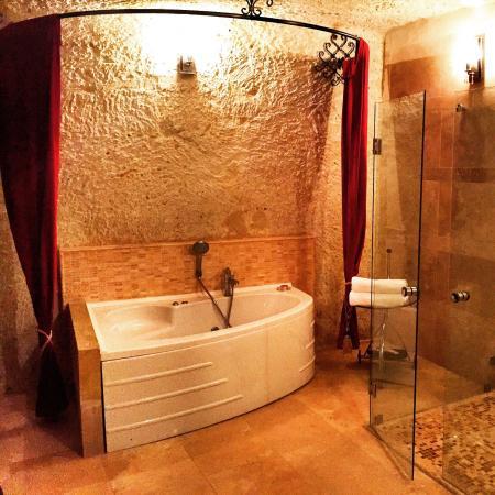 Cappadocia Castle Cave Hotel: Jakuzili odalar