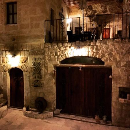 Cappadocia Castle Cave Hotel: Köy odası