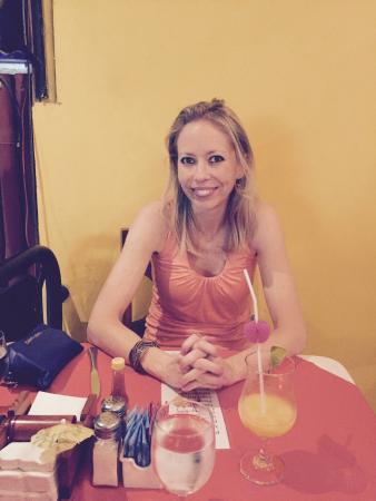 Restaurante Las Olas: Having a cocktail