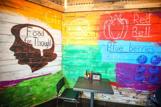 SkinnyFATS Restaurant: Our beautiful painted walls