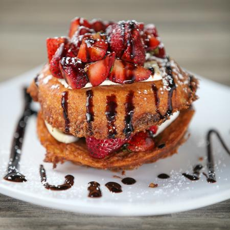 SkinnyFATS Restaurant: UnBRIElievable - from the Happy side of breakfast, french toast w/brie cheese & berries