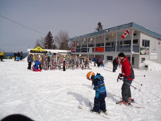 Central Hainesville, Kanada: lodge