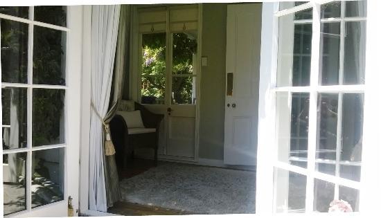 Marlborough Bed & Breakfast: Garden suite sunroom