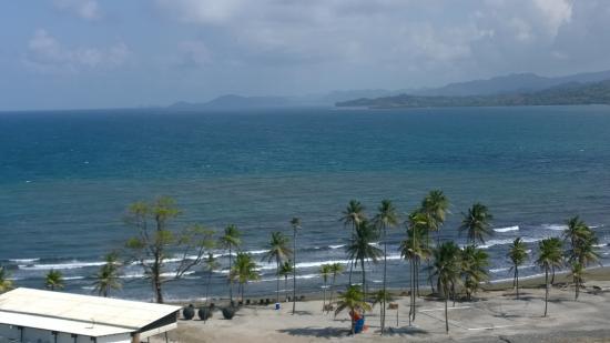 Bala Beach Resort: View from the balcony towards Portobelo