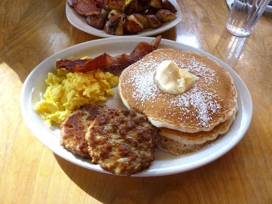 White Mountain Cafe : Breakfast
