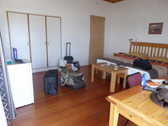Tamboti Guest House: Our room full of our junk