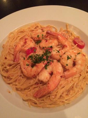 Lucca's: Best ever pasta!!! Shrimp Fra Diavlo spicy but so good!