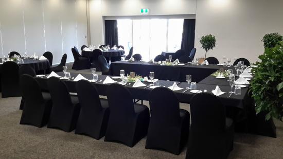 Roma Explorers Inn Motel & Function Centre: One of our Function Rooms