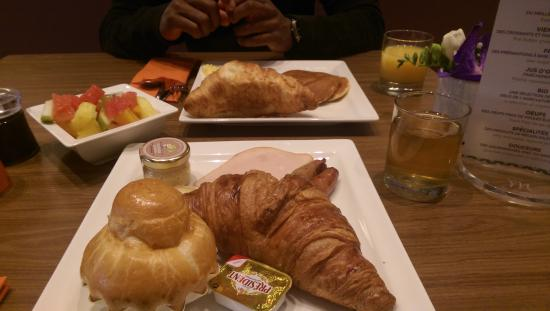Ibis Paris Montmartre 18eme: My breakfast