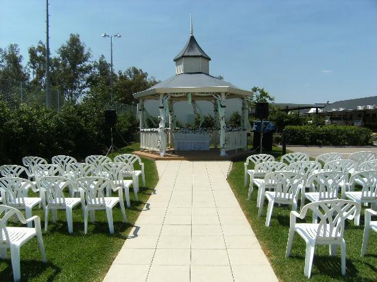 Roma Explorers Inn Motel & Function Centre: Gazebo for weddings