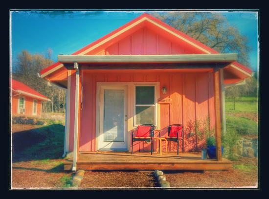 Sivananda Ashram Yoga Farm: Shanti Cabin