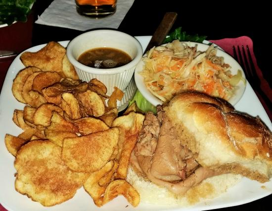 Seven Horse Pub: Brisket Sandwich.