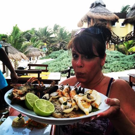 Restaurant Piedra Escondida: Yowzas!!  Seafood platter for two :)