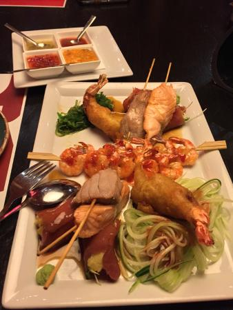 Nu: Starter plate for two: Prawn, tuna and salmon skewers