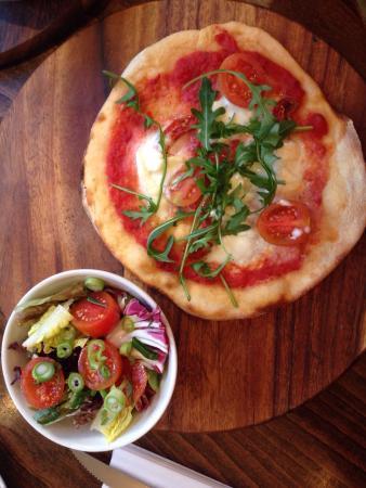 Zizzi - Earls Court : Skinny Bufala Pizza
