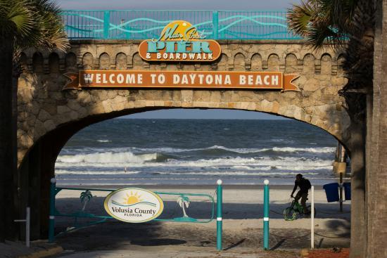 Daytona Beach Boardwalk And Pier Main St Entrance