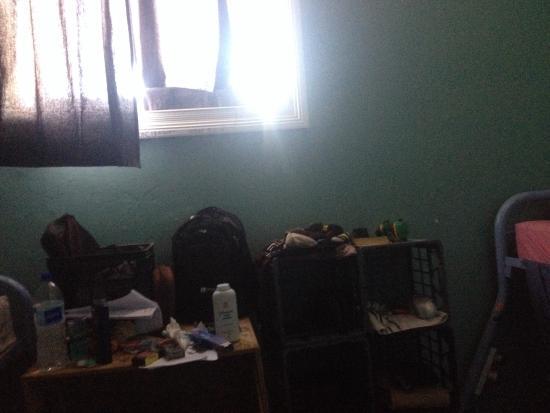 Sundancer Backpackers Resort: Dorm 1