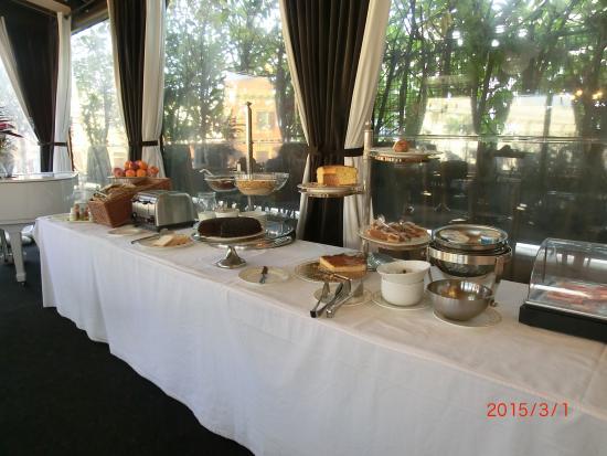 Hotel Dei Consoli: Part of breakfast spread