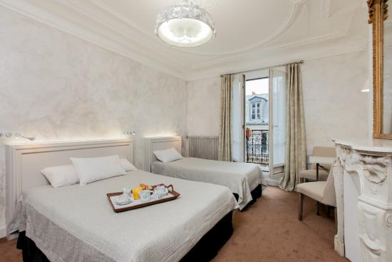 Hotel Bonaparte: New Design triple room