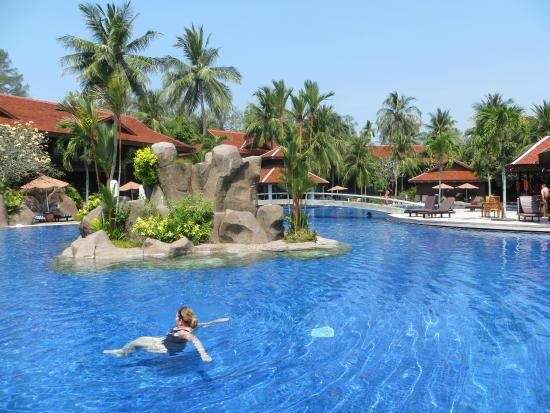 Pool 2 Picture Of Meritus Pelangi Beach Resort Spa Langkawi Pantai Cenang Tripadvisor