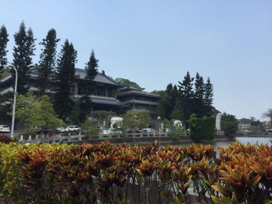 Cih Guang Temple
