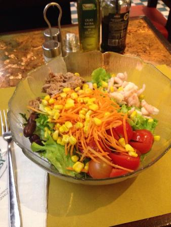 Salads are large and have nice fresh ingredients.