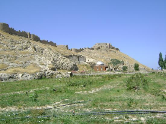 Van Kalesi - Picture of Van Castle (Van Kalesi), Van ...