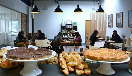 Baker Tom: The Bakery Cafe