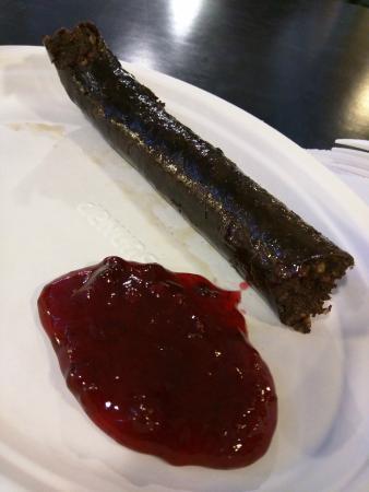 Kauppahalli: Blood sausage with ligon berries