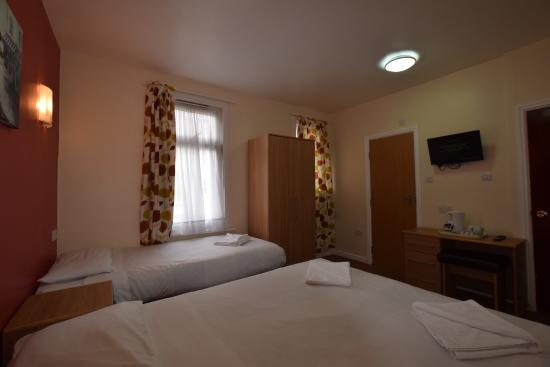 Cranbrook Hotel Ilford Reviews