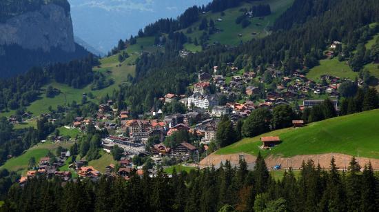 Beausite Park Hotel: Wengen from Allmend