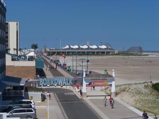 Aqua Beach Resort : looking from room up to boardwalk/piers