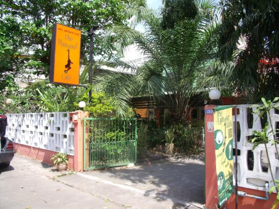 The Hangout Cafe': The entrance to the cafe