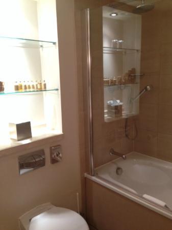 The Park City Grand Plaza Kensington Hotel: Fantastic bathroom