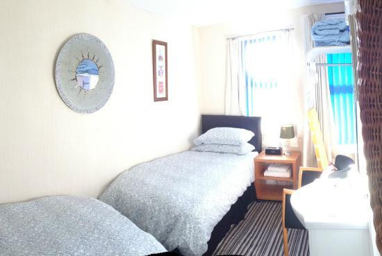 McHalls Hotel: Bedroom