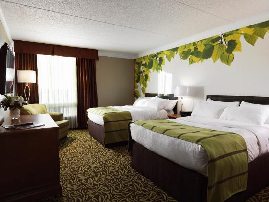 Varscona Hotel on Whyte: Linden Room Double Double