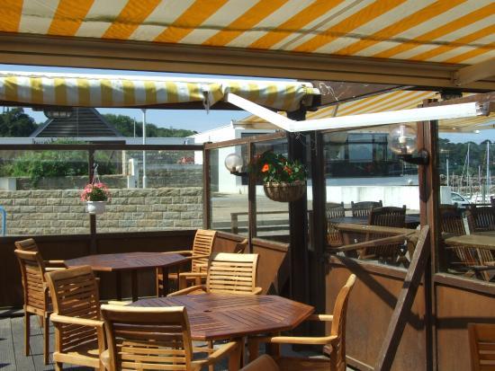 creperie des isles : terrasse en teck