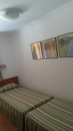 Las Brisas Apartments : Back room